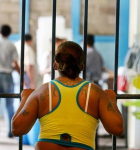 El 50% de las trans y travestis detenidas que sufren HIV no recibe atención