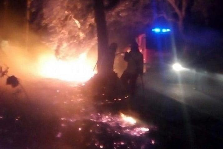 Prendieron fuego a un indigente y huyeron