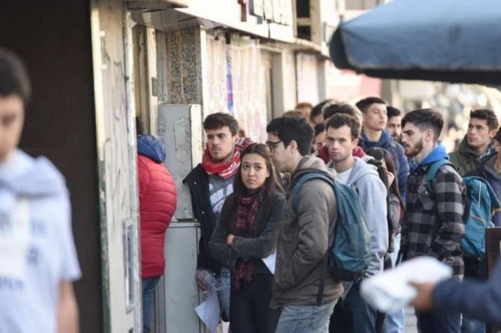 Casi el 60% de la población activa tiene problemas de empleo