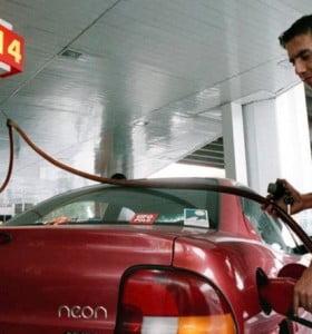 Anuncian que la nafta va a llegar a 60 pesos antes de fin de año