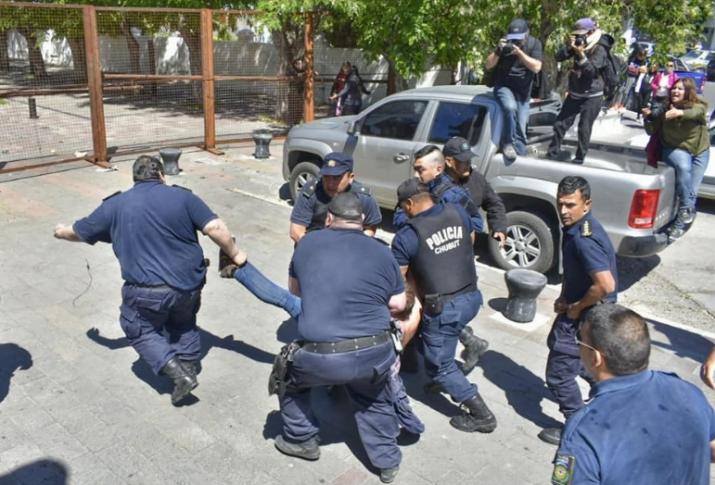 Paro docente: mañana no habrá clases en todo el país por la represión en Chubut