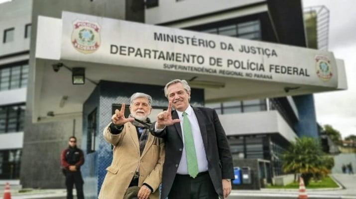 """""""Conmueve la fortaleza de Lula para afrontar esta persecución"""""""