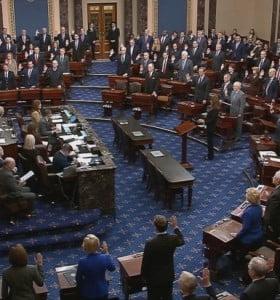 La mayoría republicana del Senado absolvió a Trump de todos los cargos