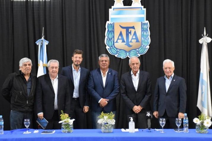 """Tapia consiguió la """"unión"""" del fútbol argentino"""