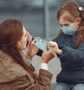 Coronavirus: la OMS confirmó que el barbijo no es útil para usar en la calle