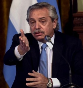 """Alberto afirmó que el lunes la cuarentena va a seguir: """"No me corran con la economía"""""""