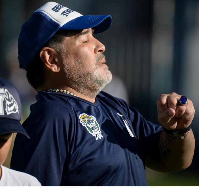 Confirmado: Maradona sigue en Gimnasia La Plata