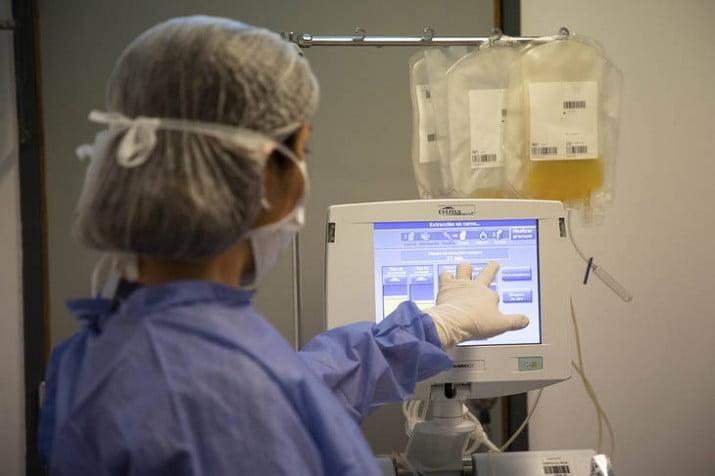 Plasma: cómo se obtiene, se aplica y funciona el tratamiento al que apostó la provincia
