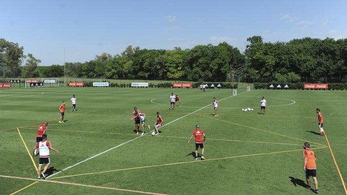 River podría jugar algunos partidos oficiales en Ezeiza