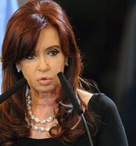 """Cristina pidió a los clubes que """"entreguen lista de barras"""""""