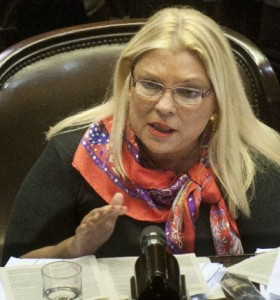 Carrió adelantó que no va a firmar el documento opositor contra le re-re