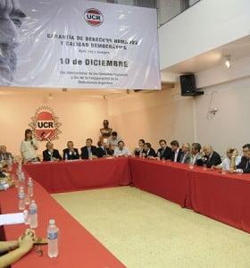 La oposición se unió en una foto para pedir por la independencia de poderes