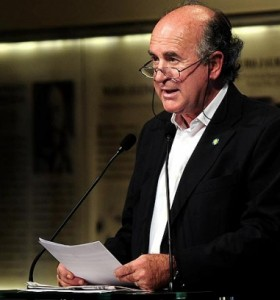 Parrilli desmiente a Clarín y anuncia reunión de Cristina con el Episcopado el próximo 18