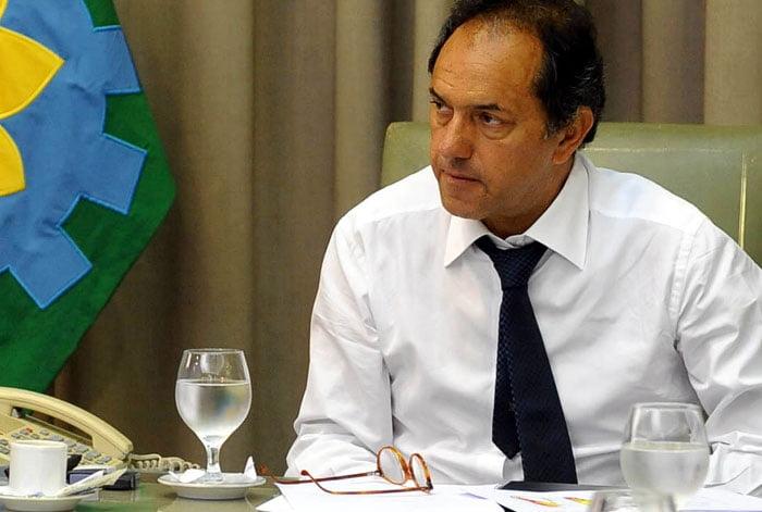 Scioli firmó la convocatoria a las elecciones para el 27 de octubre