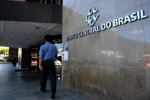 Brasil inyectará u$s 60.000 millones para contener la caída del real