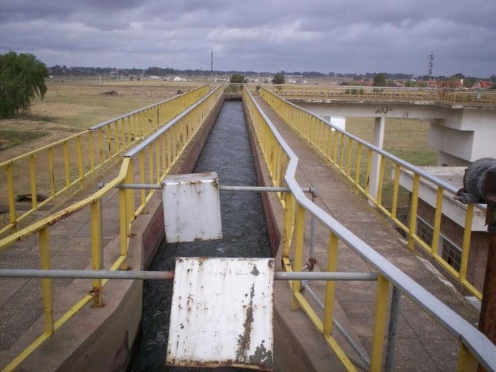 En unos 40 días debería estar resuelta la investigación preliminar que determinará si el agua provista por ABSA es nociva para la salud de los bahienses
