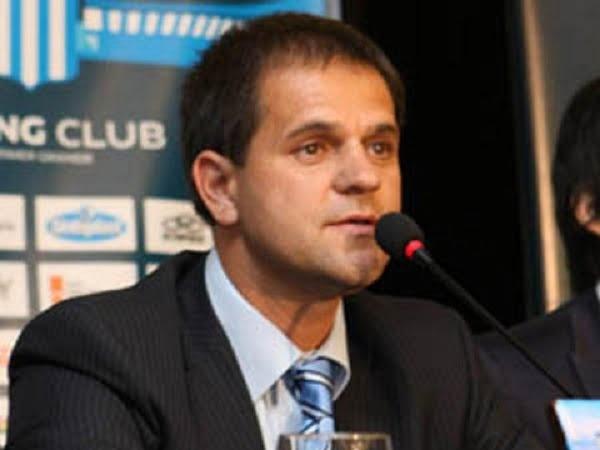 """""""Buscaremos un DT con el perfil de Zubeldía"""", dijo el presidente de Racing"""