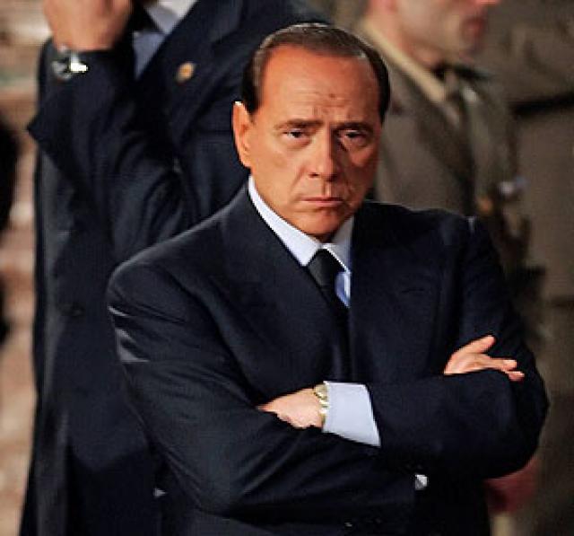 Volvió Berlusconi: lanzó críticas a la Justicia y dijo que sigue en política