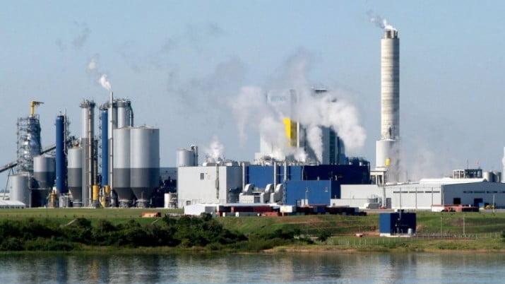 Mujica autorizó aumentar la producción en la ex Botnia