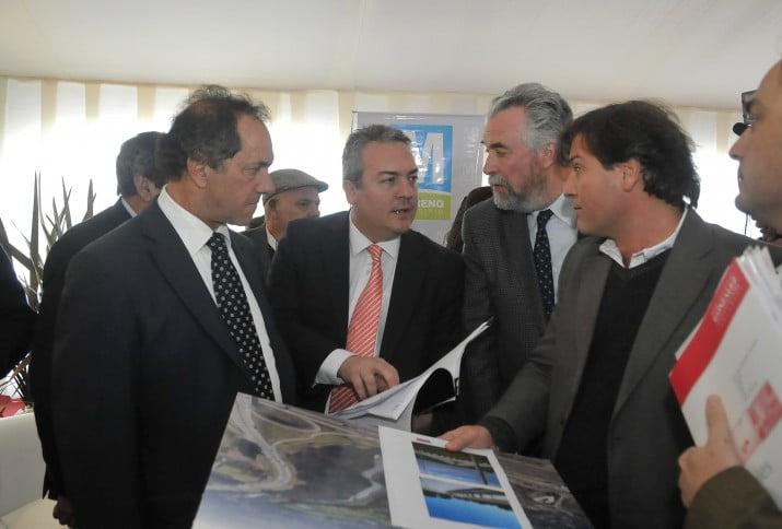 Scioli y Breitenstein firmaron la creación de Centros de Educación Productiva
