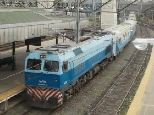 """Después de 18 años, """"hace noche en Bahía Blanca"""" el tren Buenos Aires-Viedma"""