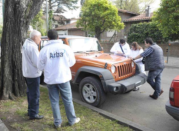 ARBA retuvo auto de lujo que nunca había pagado patente
