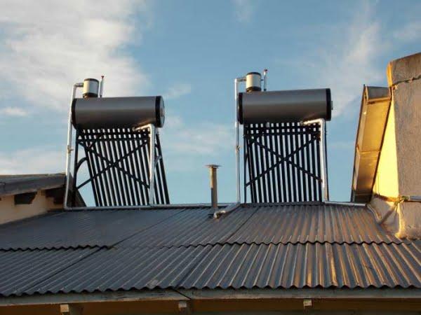 Todas las viviendas de Tres Picos tendrán calefones solares