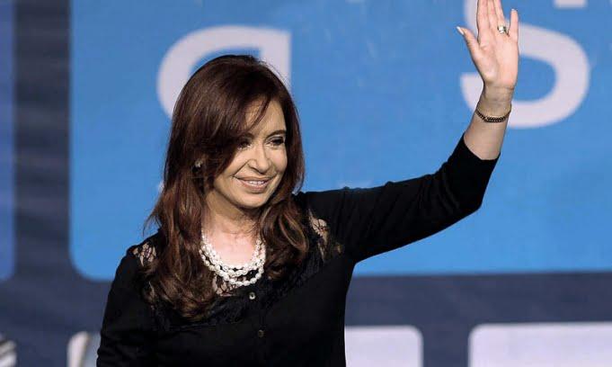 Operan a Cristina Fernández en la Fundación Favaloro