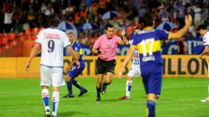 Boca empató con Godoy Cruz en un final con escándalo y trompadas