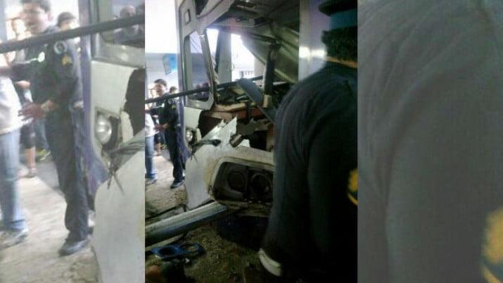 Otro accidente en el Sarmiento: chocó un tren en la estación de Once y hay heridos