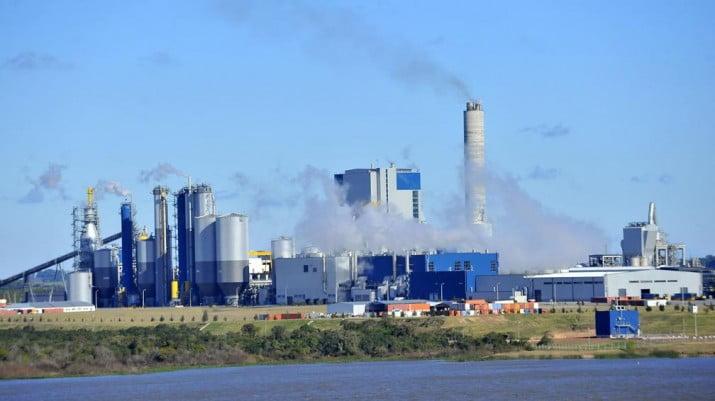 En medio de la tensión bilateral, Uruguay renovó permiso a Botnia