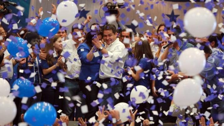 Honduras: Hernández se proclama ganador y los Zelaya denuncian fraude