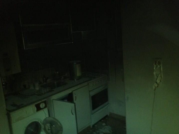 Evacuaron un edifico por el incendio de un departamento