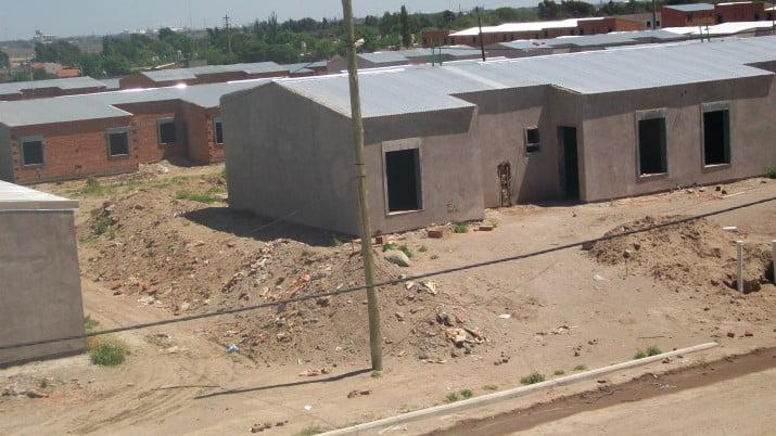 En 60 días llegan los fondos de Nación para terminar las viviendas de los barrios UOM, Sutiaga y Petroquímicos