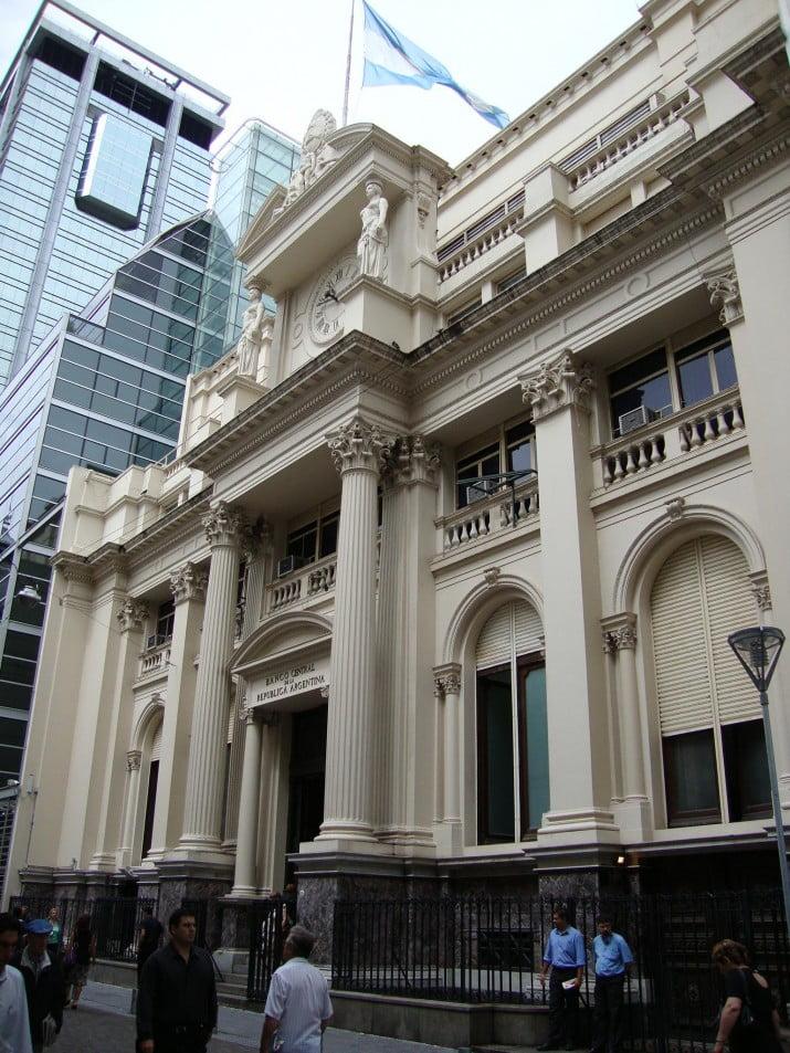 Argentina pagará hoy con reservas u$s 901 millones