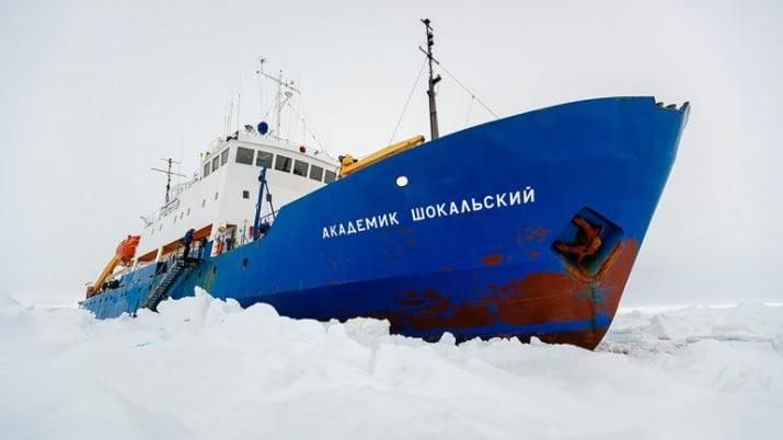 El mal tiempo impide el rescate del barco ruso atrapado en la Antártida