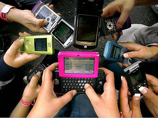 Suben cerca de un 12 por ciento las tarifas de celulares