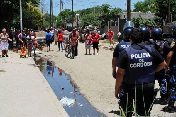 Córdoba: paran estatales y los docentes piden el mismo salario que los policías