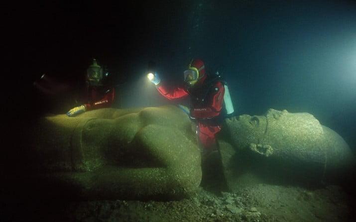 Descubren una antigua ciudad debajo del mar Mediterráneo. Las ruinas podrían cambiar nuestra historia