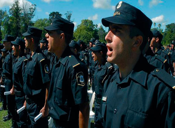 Egresaron los policías formados en la escuela de Bahía Blanca