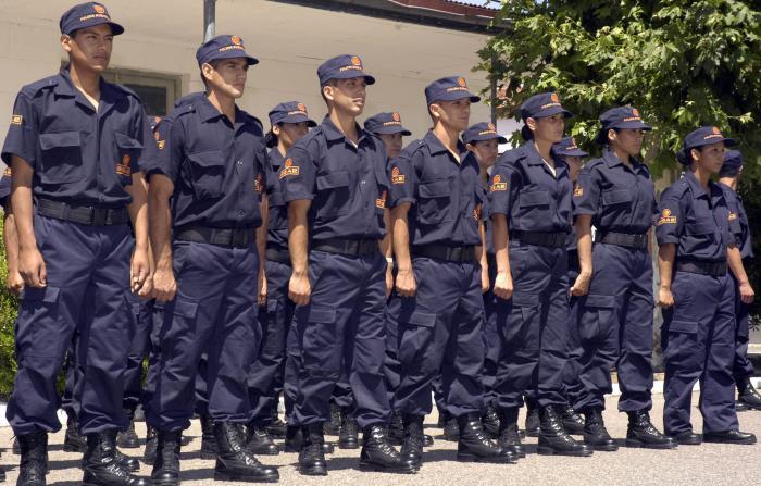 Qué incluye la oferta de la Provincia a los policías