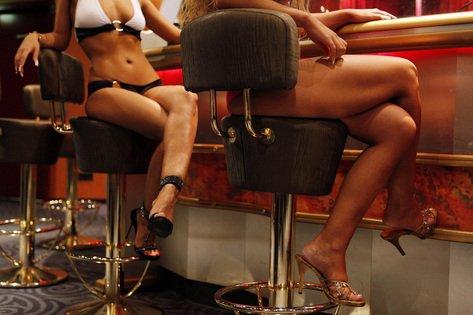 Francia penalizará a los clientes de prostitución