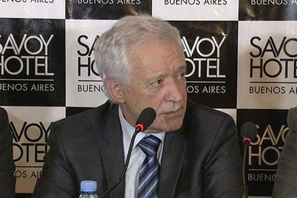 """El presidente de Racing dijo que """"en principio la política será no vender"""""""