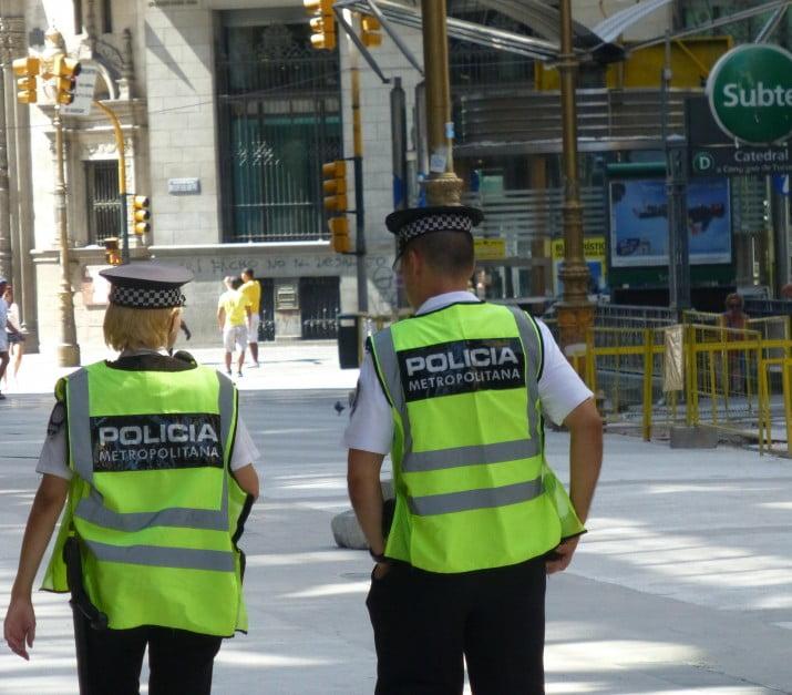 La Policía Metropolitana, envuelta en un caso de espionaje y reventa de entradas