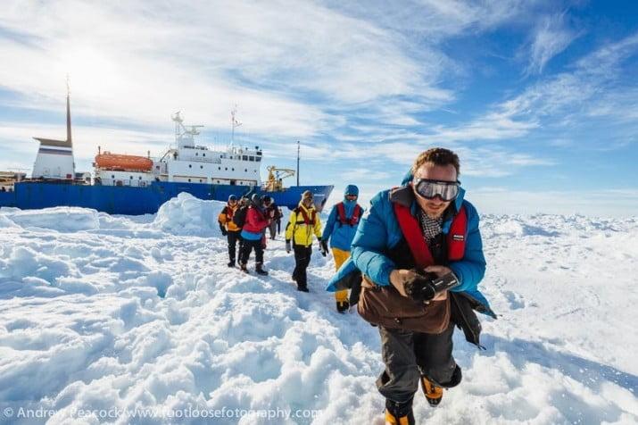 Llegaron a Australia los 52 pasajeros del barco ruso atrapado en la Antártida