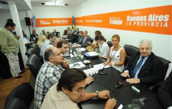 Estatales bonaerenses rechazan de plano techo salarial del 25%