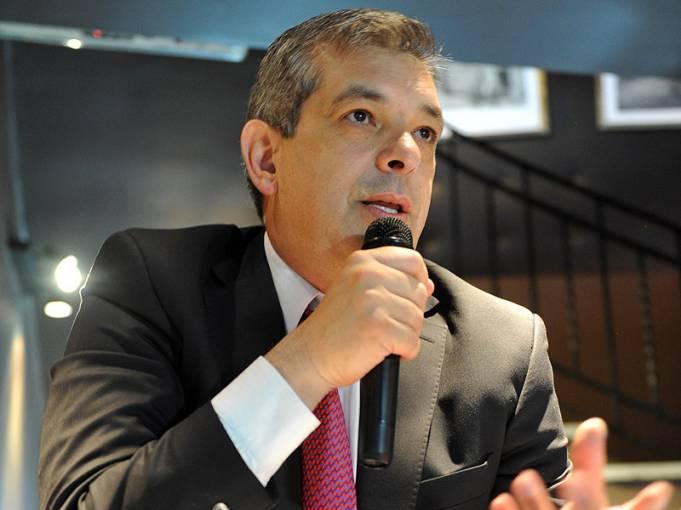 Julián Domínguez propuso mudar la capital al norte del país