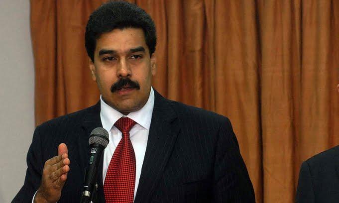 Maduro pidió la renuncia a todos los ministros de su Gabinete