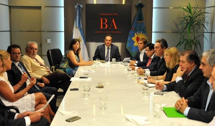 """Scioli evalúa """"completar"""" los cambios de gabinete"""
