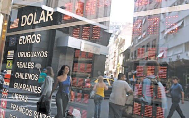 Apoyo de las cámaras empresarias a las medidas del Gobierno sobre el dólar